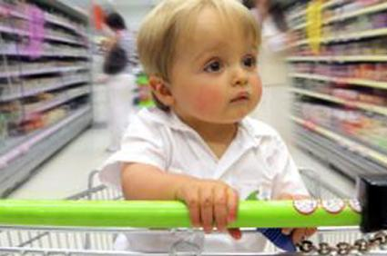 Dlaczego nie powinniśmy zabierać dziecka na zakupy do centrum handlowego?
